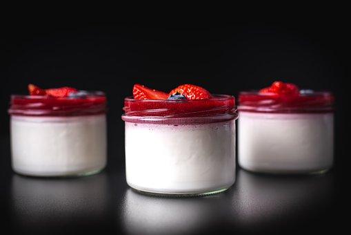 dessert 3765572  340 - Jak rozpoznać wartościowy jogurt naturalny?
